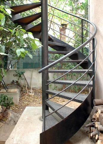 escalier m tal sur mesure escaliers d cors. Black Bedroom Furniture Sets. Home Design Ideas