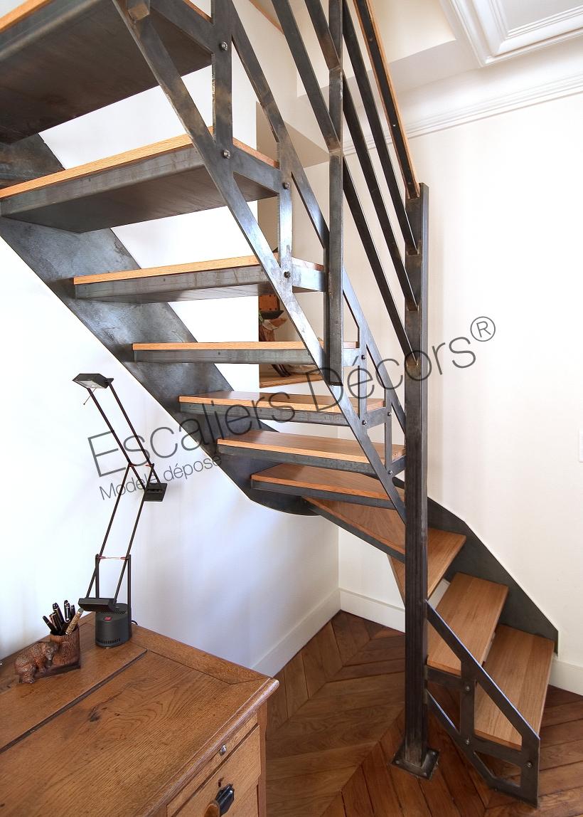 escalier dintrieur en mtal et bois au design industriel et vintage cet escalier a t install dans le cadre dune rnovation dans 2 appartements