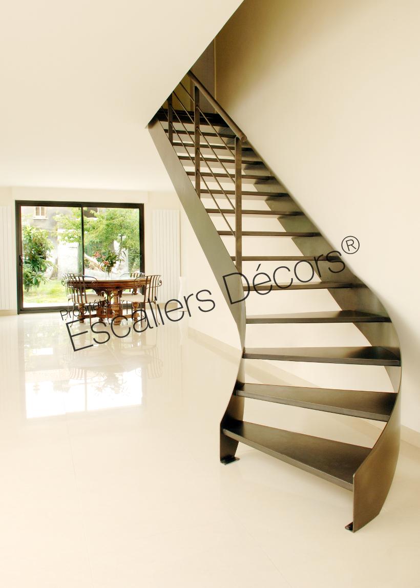 Photo Dt40 Esca Droit 1 4 Tournant Bas Balance Escalier