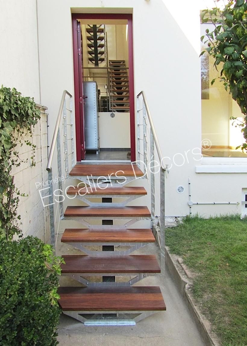 Escalier sur limon central - Escaliers Décors®
