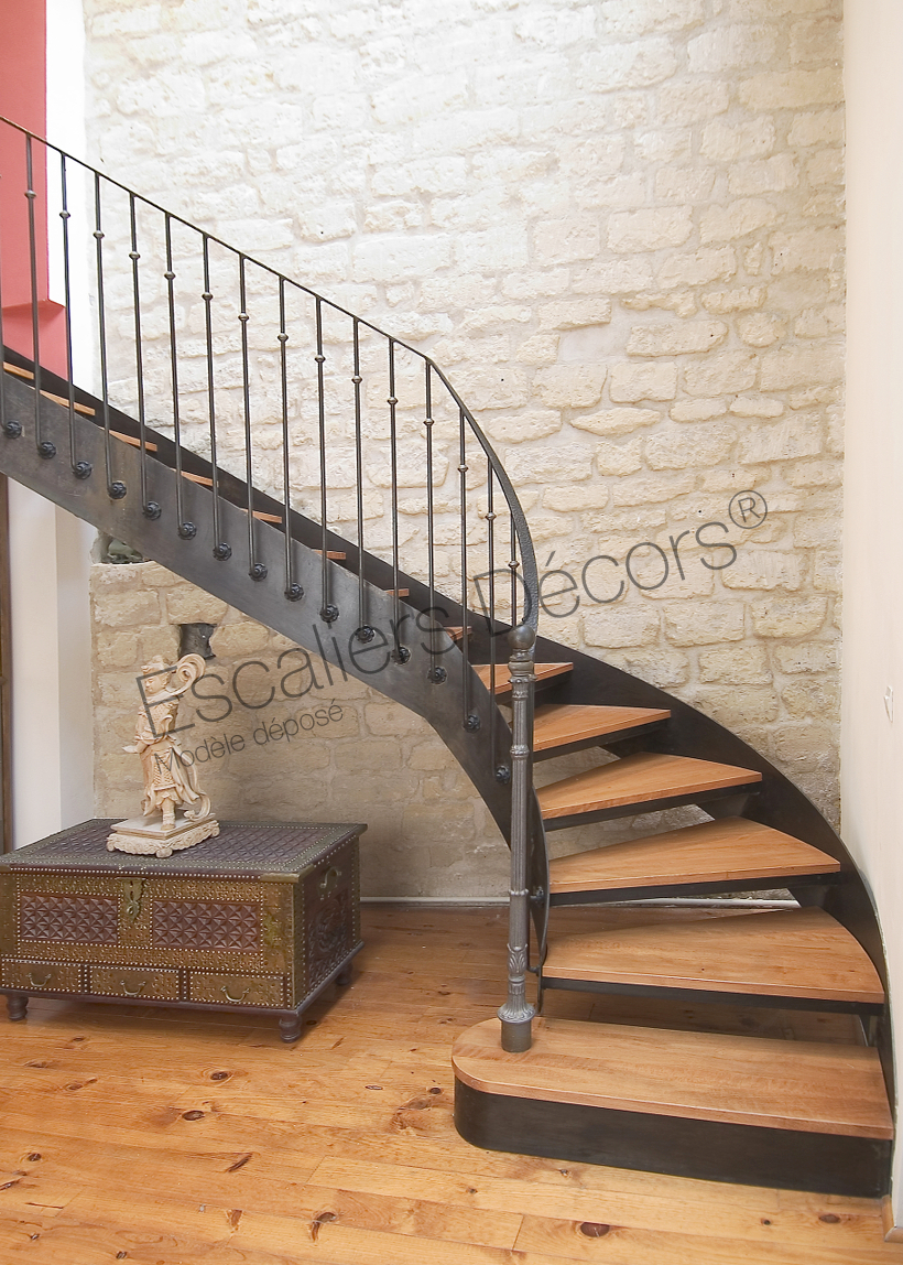 emejing modele d escalier interieur photos awesome interior home satellite. Black Bedroom Furniture Sets. Home Design Ideas