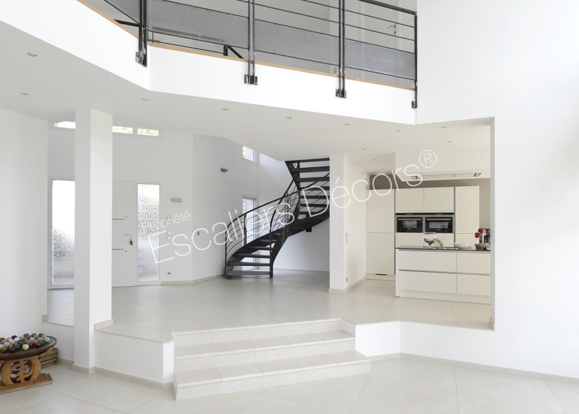 interieur maison moderne avec escalier. Black Bedroom Furniture Sets. Home Design Ideas