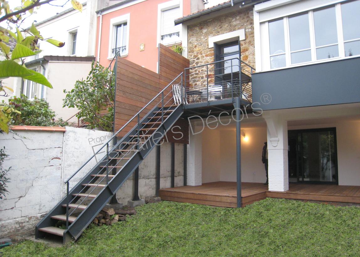 Photo DT108 - ESCA\'DROIT®. Escalier droit extérieur design en métal ...