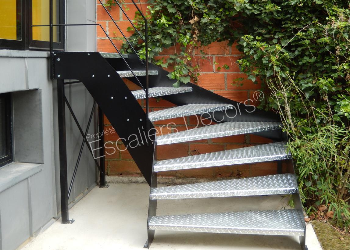 Entrée De Maison Avec Marche escalier extérieur - escaliers décors®