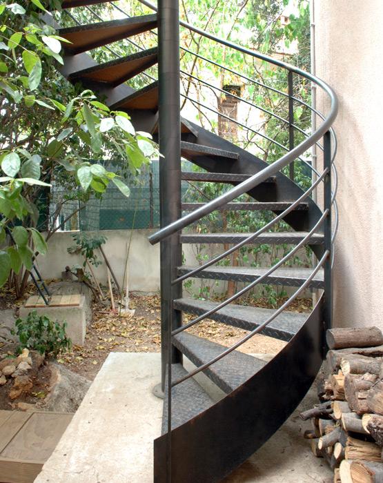 escalier ext rieur escaliers d cors. Black Bedroom Furniture Sets. Home Design Ideas