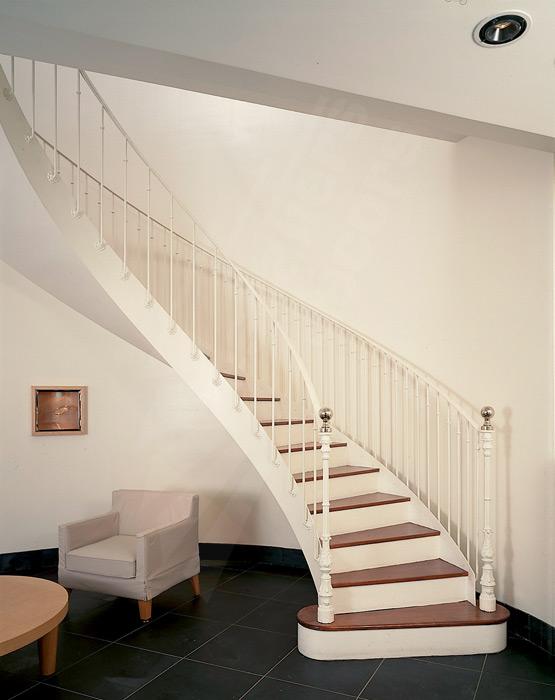 escalier balanc escaliers d cors. Black Bedroom Furniture Sets. Home Design Ideas