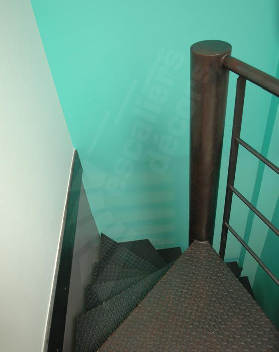 escalier colima on carr escaliers d cors. Black Bedroom Furniture Sets. Home Design Ideas