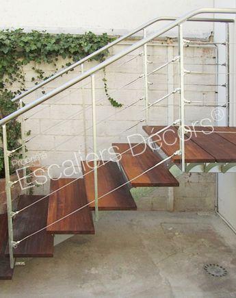 escalier exterieur acier top gardecorps industriel en acier galvanis with escalier exterieur. Black Bedroom Furniture Sets. Home Design Ideas