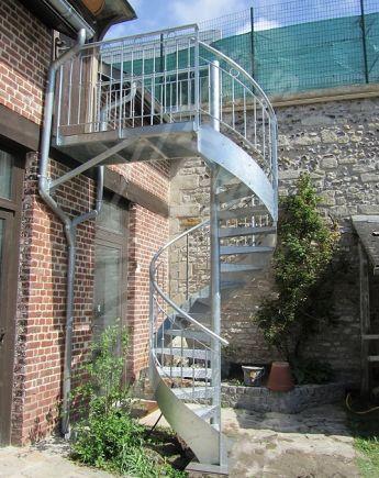 Escalier ext rieur escaliers d cors for Decoration escalier exterieur