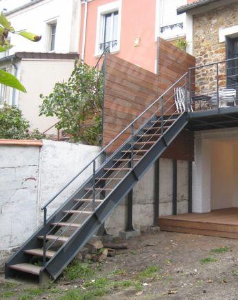 Escalier ext rieur escaliers d cors for Prix escalier exterieur bois